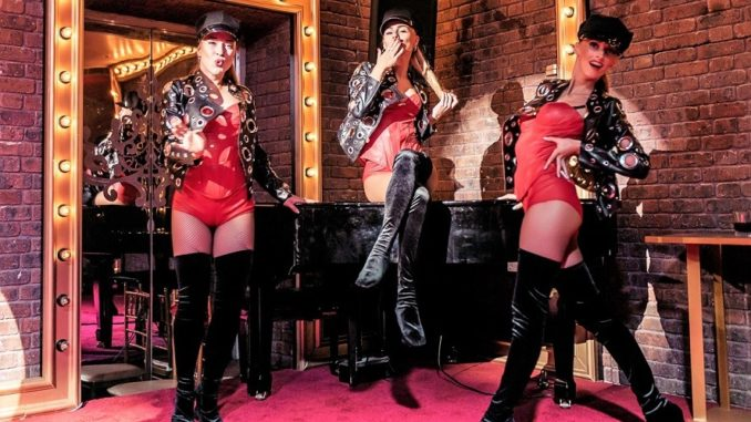 Maison Rouge - Dinner and Show