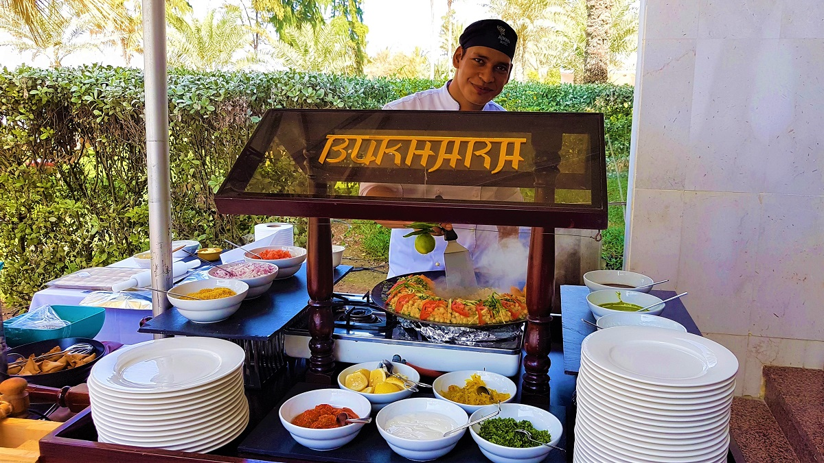 Ajman Hotel - Friday Garden Brunch - BBQ & Live Cooking (04)