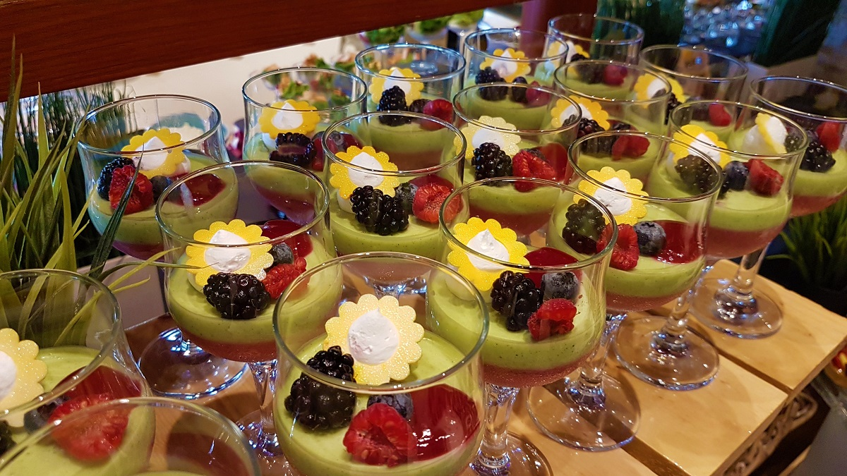Ajman Hotel - Friday Garden Brunch - Desserts