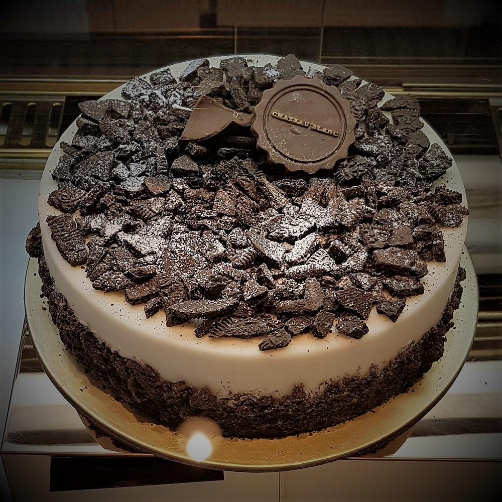 Chateau Blanc - Cakes - Cookies N Cream