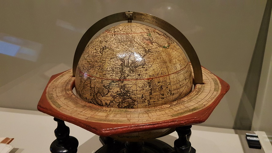 Globes Visions of the World - Louvre Abu Dhabi