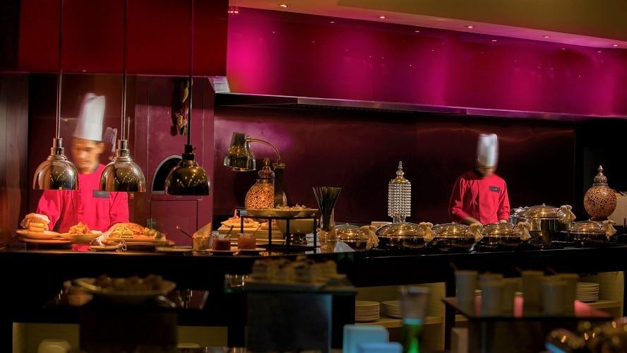 Lemon Pepper Restaurant - Buffet - M Hotel Downtown by Millennium