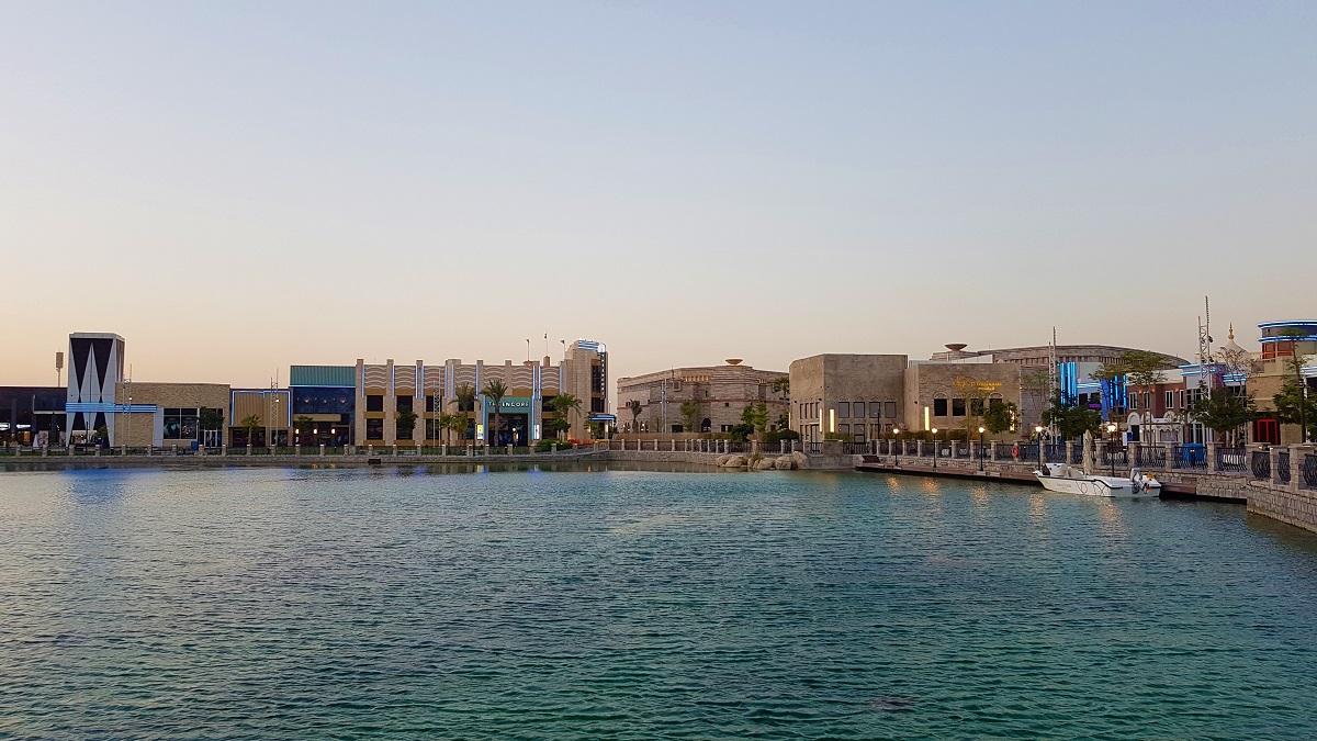 Pascal Tepper - French Village Riverland Dubai Parks & Resorts 01