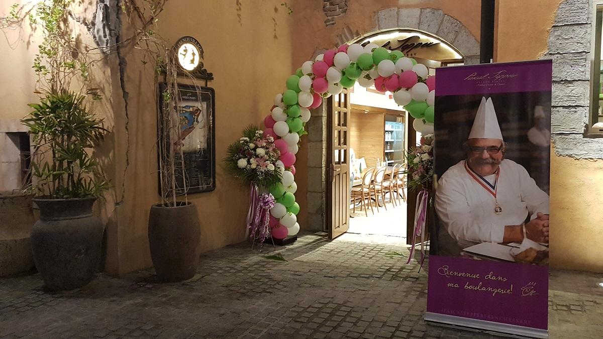Pascal Tepper - French Village Riverland Dubai Parks & Resorts 05