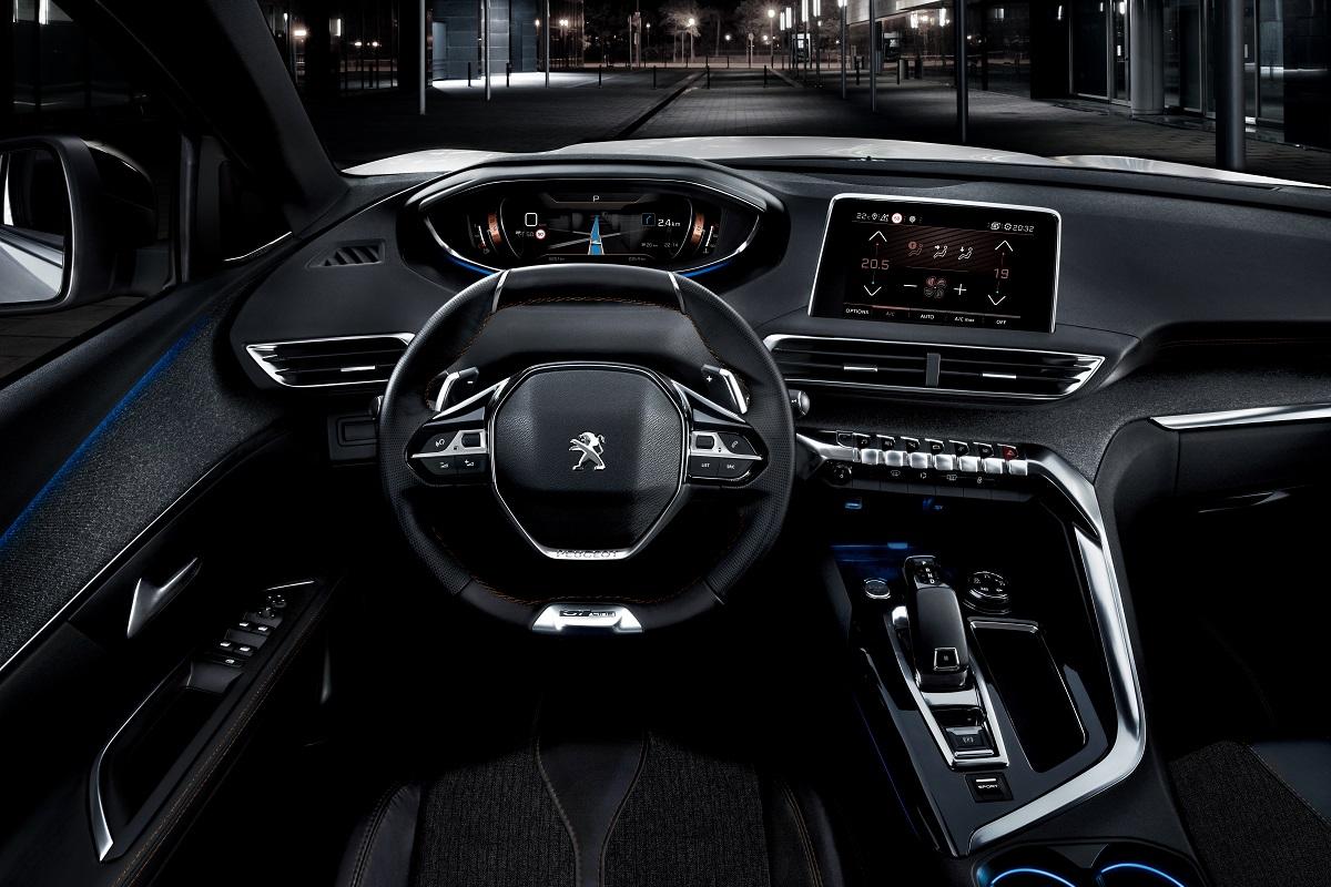 Peugeot 5008 SUV - Interior (01)