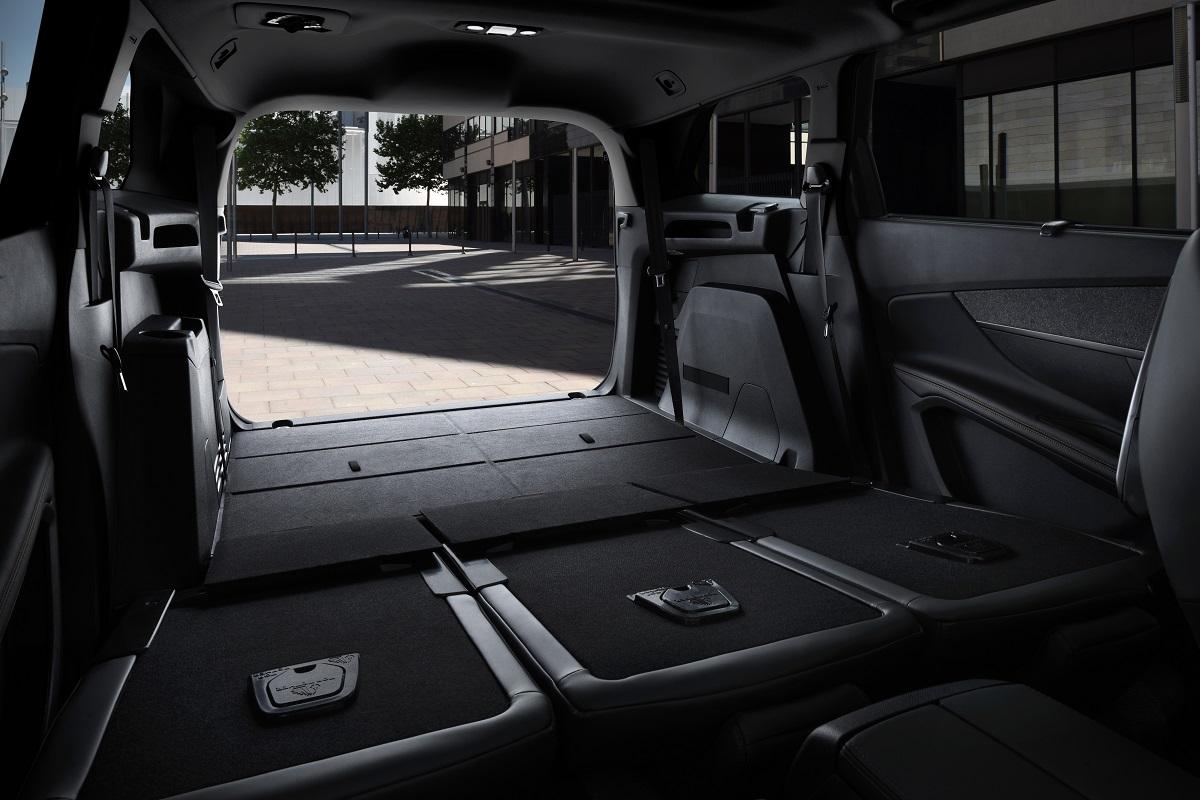 Peugeot 5008 SUV - Interior (09)